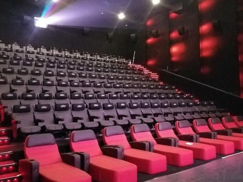 Empire Cinemas feiert ein starkes Comeback mit FLEXOUND Augmented Audio™