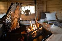 polar-grilli-m6-in-einer-grillkote.jpg