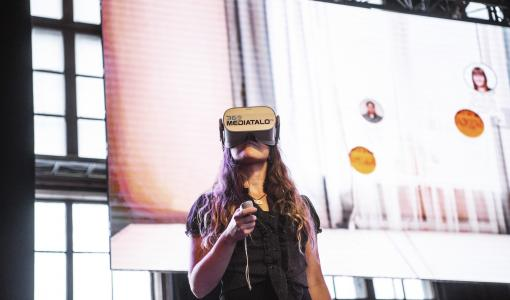 5G-enabled Virtual Reality won the prize in the SHIFT hackathon in Finland